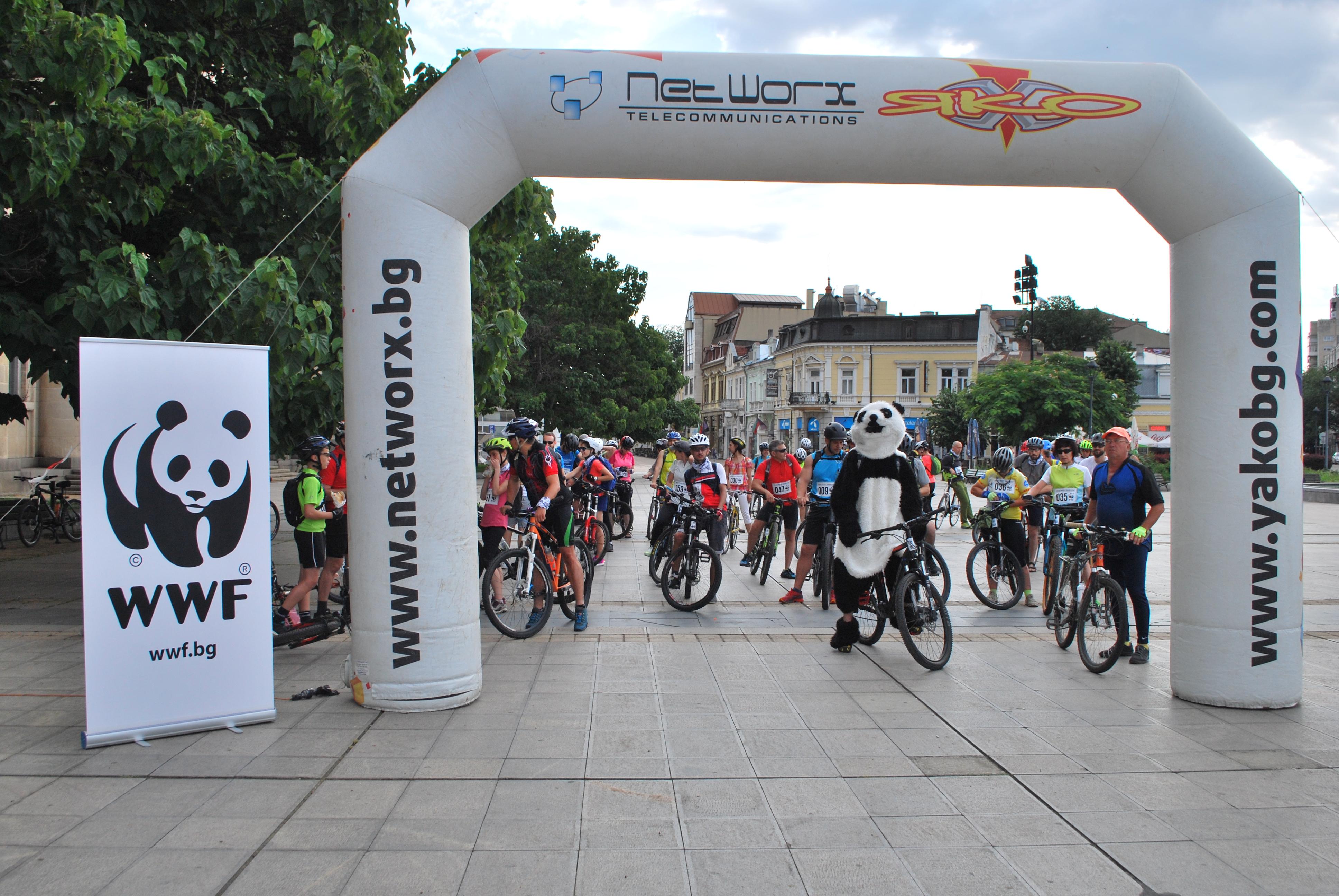 С велосипеди, каяци и бягане любители на спорта и природата отбелязаха Деня на Дунав